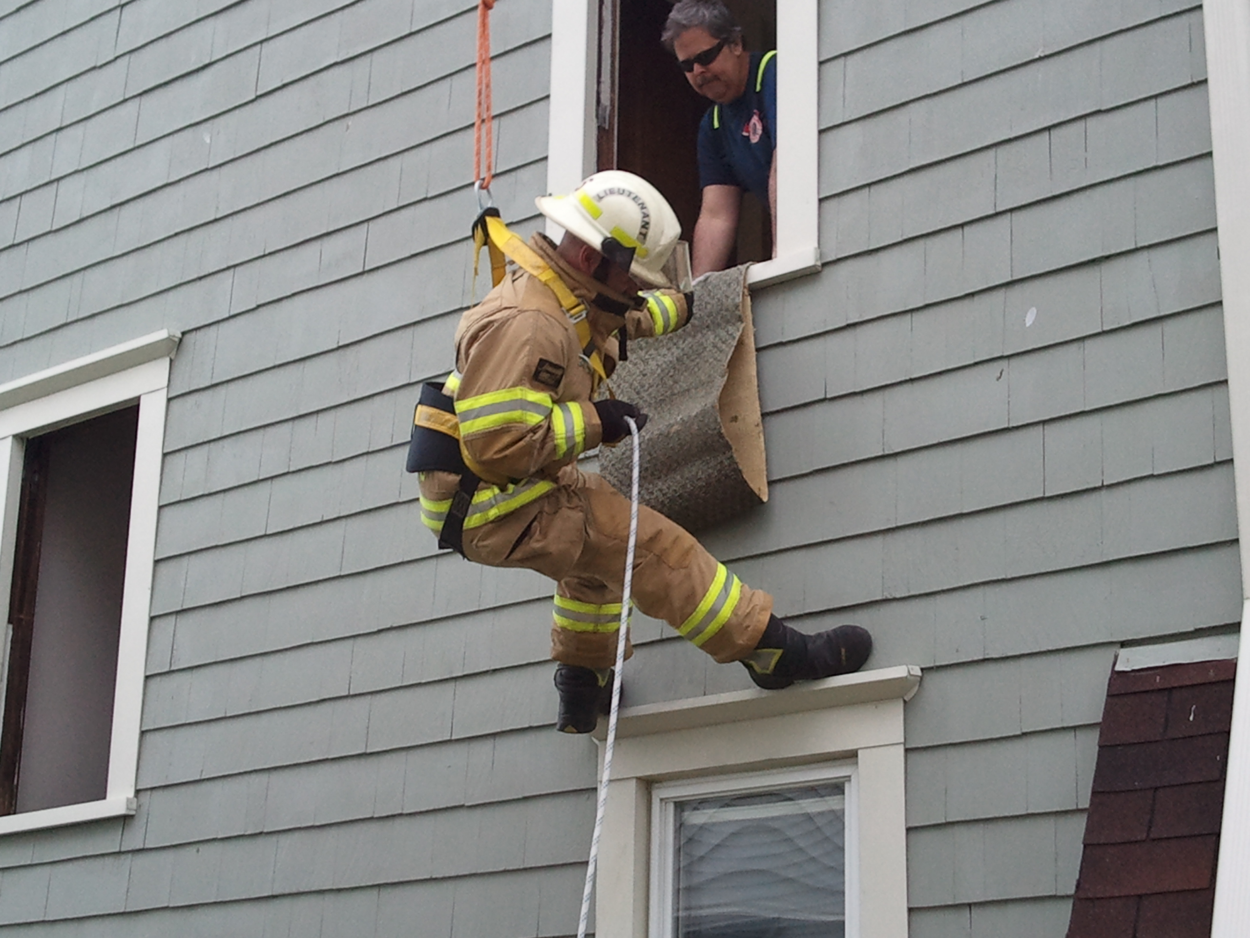 Rope training conducted at UMU housing.